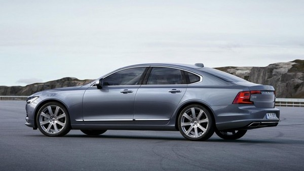rear_quarter_profile_volvo_s90_mussel_blue