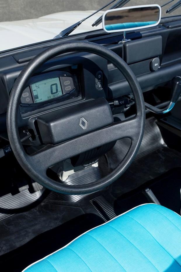 Renault 4L Plein Air interijer