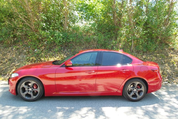 Alfa Romeo Giulia 2.2 Multijet 180 Super AT (02)