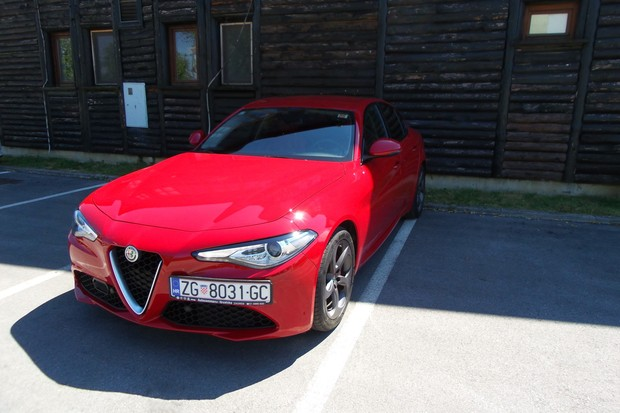 Alfa Romeo Giulia 2.2 Multijet 180 Super AT (08)