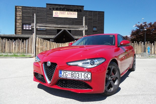 Alfa Romeo Giulia 2.2 Multijet 180 Super AT (11)