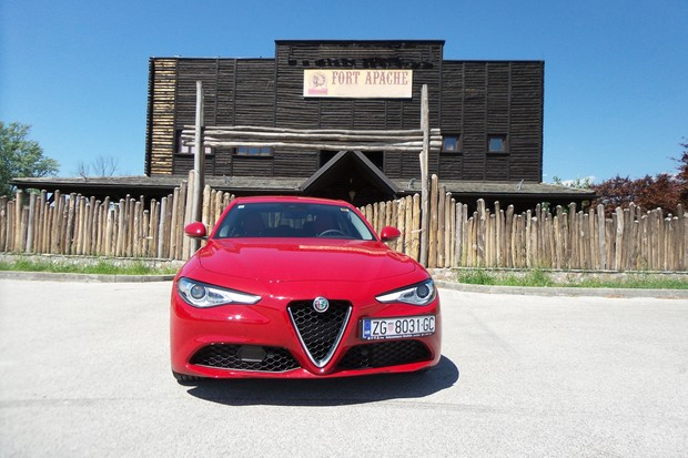 Alfa Romeo Giulia 2.2 Multijet 180 Super AT (13)