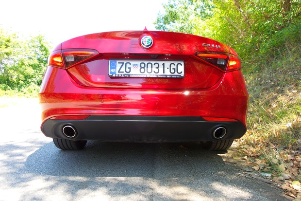 Alfa Romeo Giulia 2.2 Multijet 180 Super AT (15)