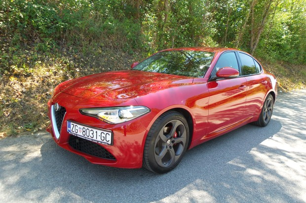 Alfa Romeo Giulia 2.2 Multijet 180 Super AT (16)