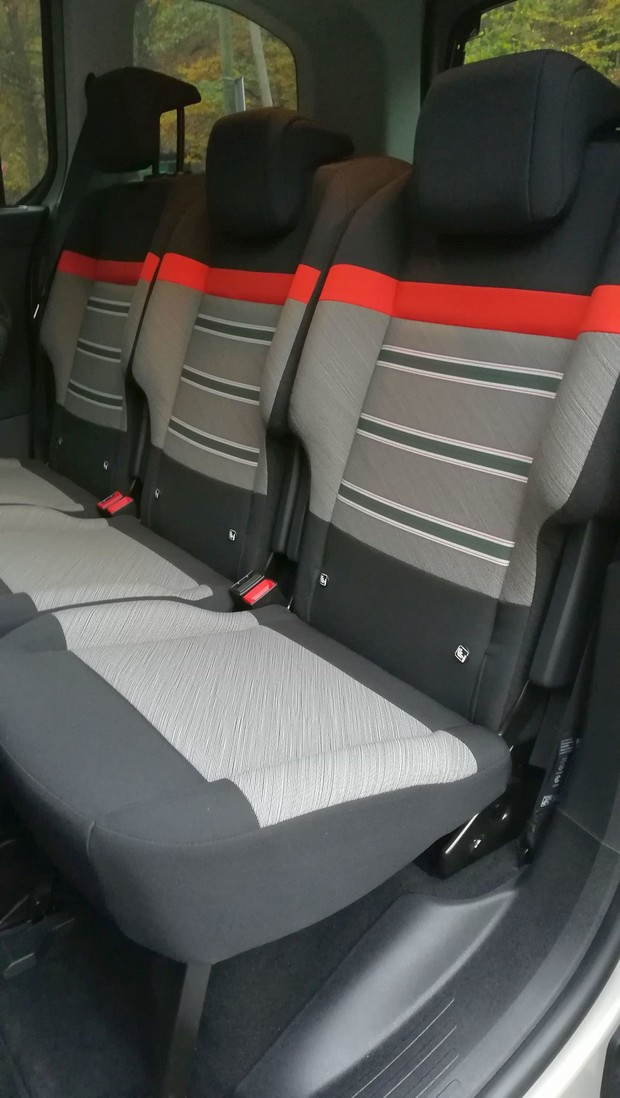 Citroen Berlingo Feel M BlueHDi 100 BVM interijer 17