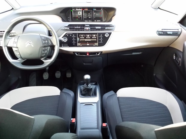 Citroen C4 Picasso 1.6 e-HDi 115 Airdream Exclusive TEST (1)