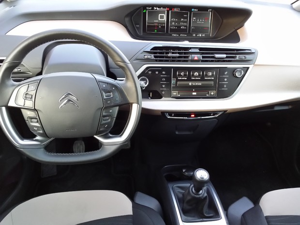 Citroen C4 Picasso 1.6 e-HDi 115 Airdream Exclusive TEST (12)