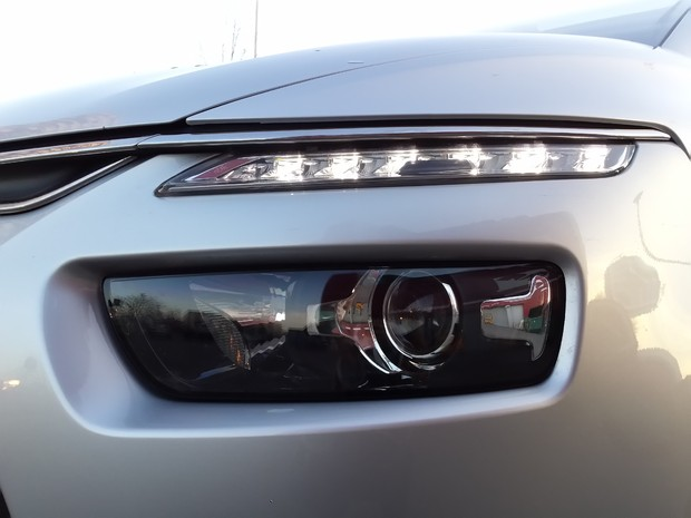 Citroen C4 Picasso 1.6 e-HDi 115 Airdream Exclusive TEST (07)