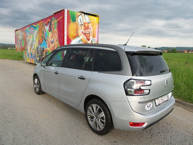 Citroen Grand C4 Picasso 2.0 BlueHDi 150 Exclusive TEST (04)