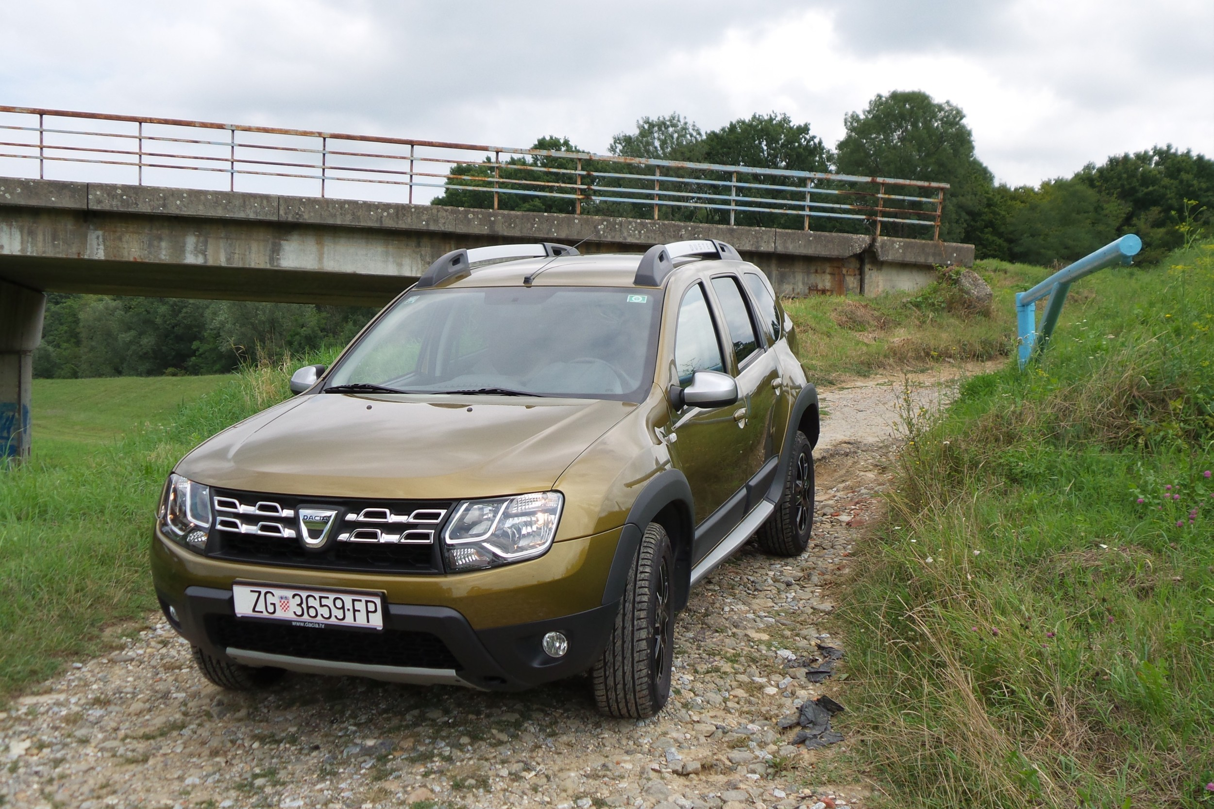 dacia duster 1 5 dci 110 4x4 test testirali smo. Black Bedroom Furniture Sets. Home Design Ideas