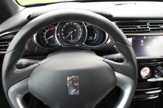 DS 3 1.6 BlueHDi 120 Sport chic (11)