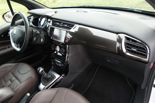 DS 3 1.6 BlueHDi 120 Sport chic (18)
