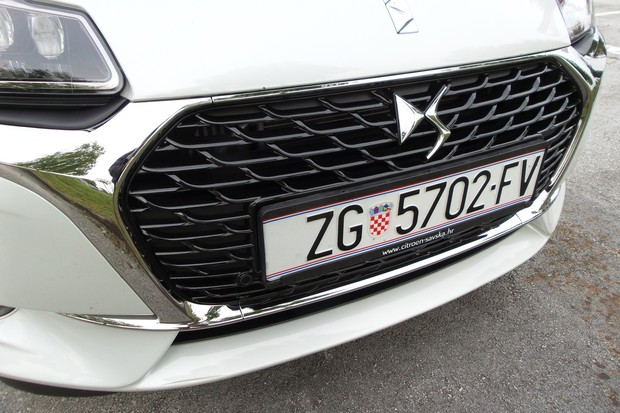 DS 3 1.6 BlueHDi 120 Sport chic (01)