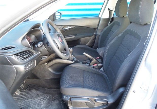 Fiat Tipo HB 1.3 Multijet 95 Lounge (02)
