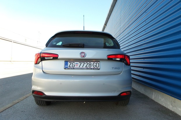 Fiat Tipo HB 1.3 Multijet 95 Lounge (01)