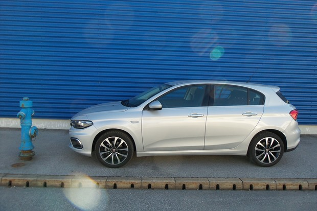 Fiat Tipo HB 1.3 Multijet 95 Lounge (05)