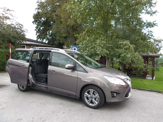 Ford C-Max Grand 1.6 TDCi (13)