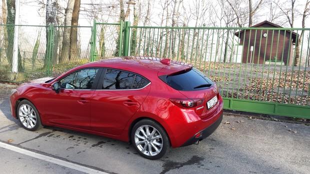 Mazda3 Sport 2 0 G165 Revolution Test Testirali Smo