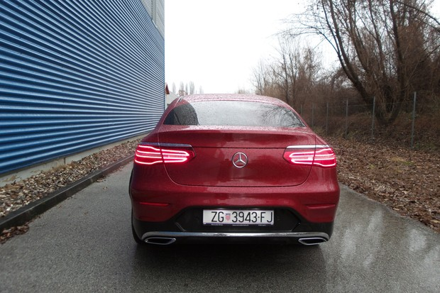 Mercedes GLC Coupe 250 d 2.1 204 AMG Line (01)