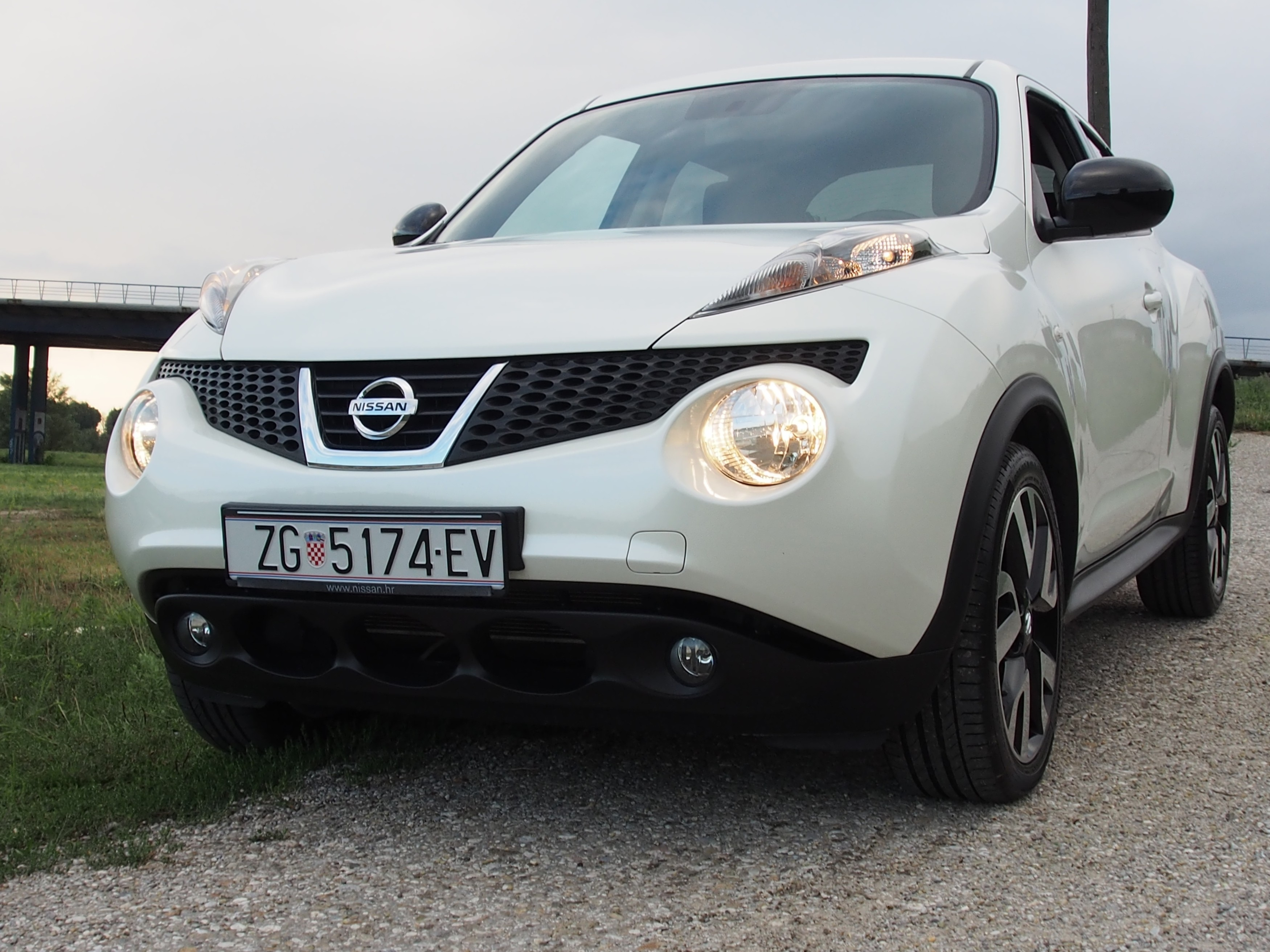 nissan juke 1 6 n tec test testirali smo testovi vidiauto vidiauto. Black Bedroom Furniture Sets. Home Design Ideas
