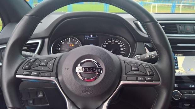 Nissan Qashqai 1,6 dCi 4WD Tekna detalji 01