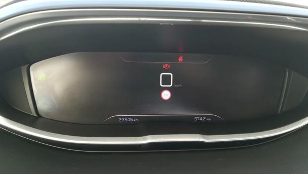Peugeot 5008 GT line 2.0 BlueHDI 150 BVM6 detalji 05