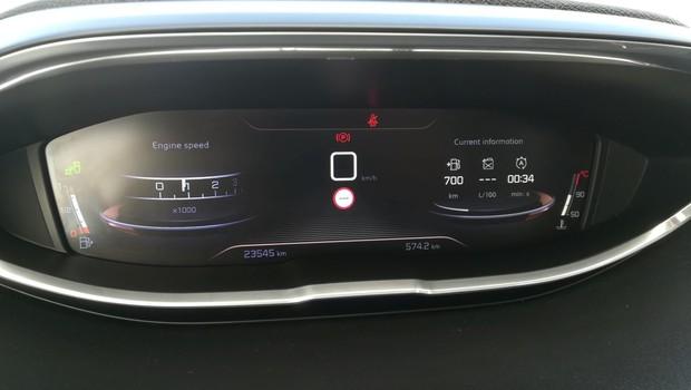 Peugeot 5008 GT line 2.0 BlueHDI 150 BVM6 detalji 06