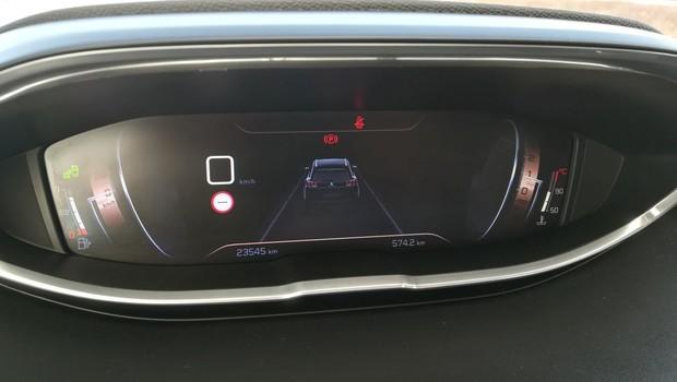 Peugeot 5008 GT line 2.0 BlueHDI 150 BVM6 detalji 08