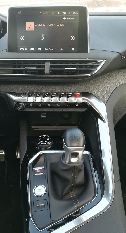 Peugeot 5008 GT line 2.0 BlueHDI 150 BVM6 detalji 15