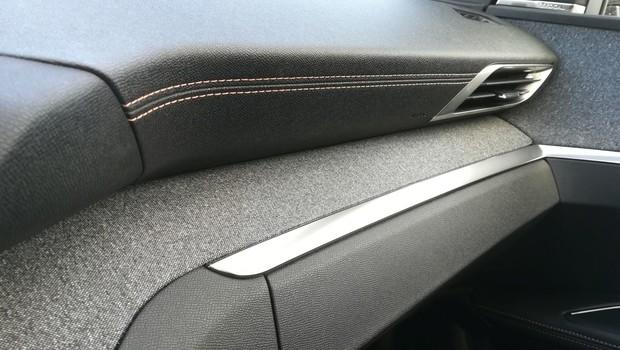 Peugeot 5008 GT line 2.0 BlueHDI 150 BVM6 detalji 16