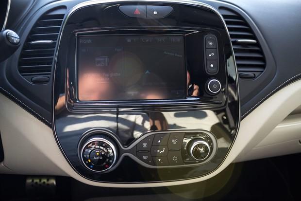 Renault Captur INITIALE PARIS Energy dCi 90 EDC detalji 02