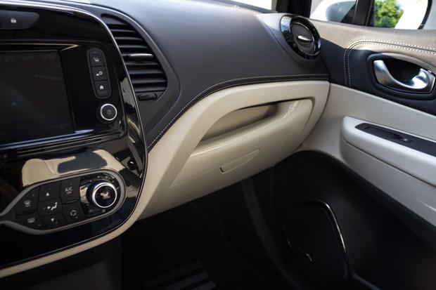Renault Captur INITIALE PARIS Energy dCi 90 EDC detalji 03