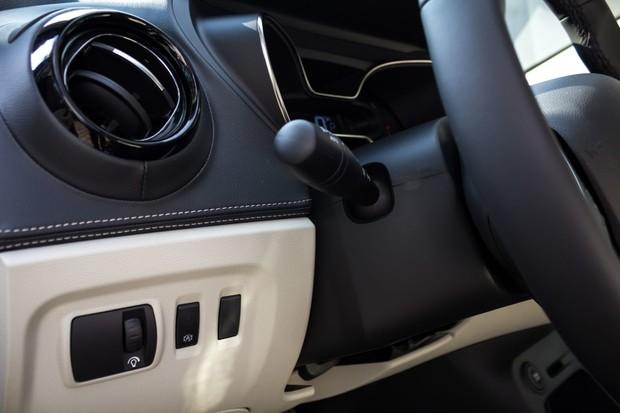 Renault Captur INITIALE PARIS Energy dCi 90 EDC detalji 05