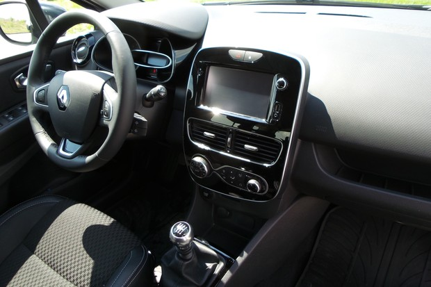 Renault Clio Grandtour 1.2 Tce 120 Intens (05)