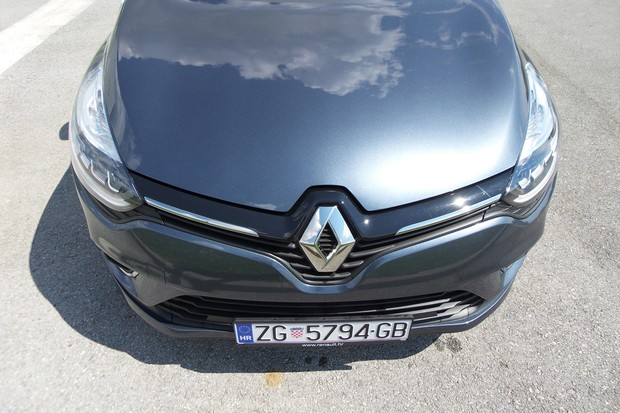 Renault Clio Grandtour 1.2 Tce 120 Intens (04)