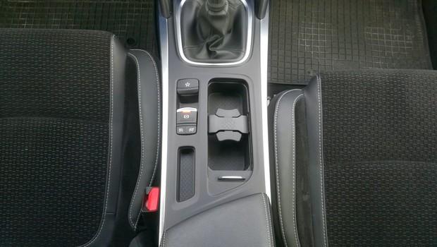 Renault Megane 1.3 TCE 140 Intens interijer 10