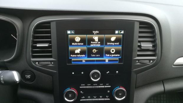 Renault Megane 1.3 TCE 140 Intens interijer 14