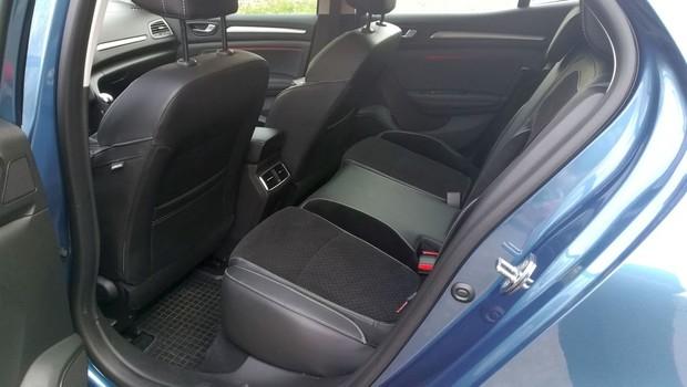 Renault Megane 1.3 TCE 140 Intens interijer 18