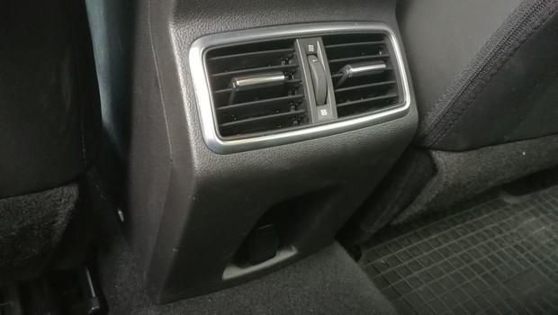 Renault Megane 1.3 TCE 140 Intens interijer 19
