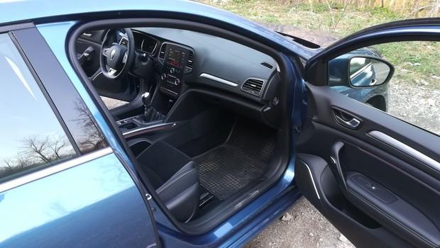 Renault Megane 1.3 TCE 140 Intens interijer 20