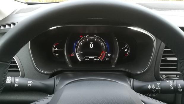 Renault Megane 1.3 TCE 140 Intens interijer 24
