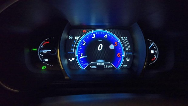 Renault Megane GT dCi 165 detalji 02