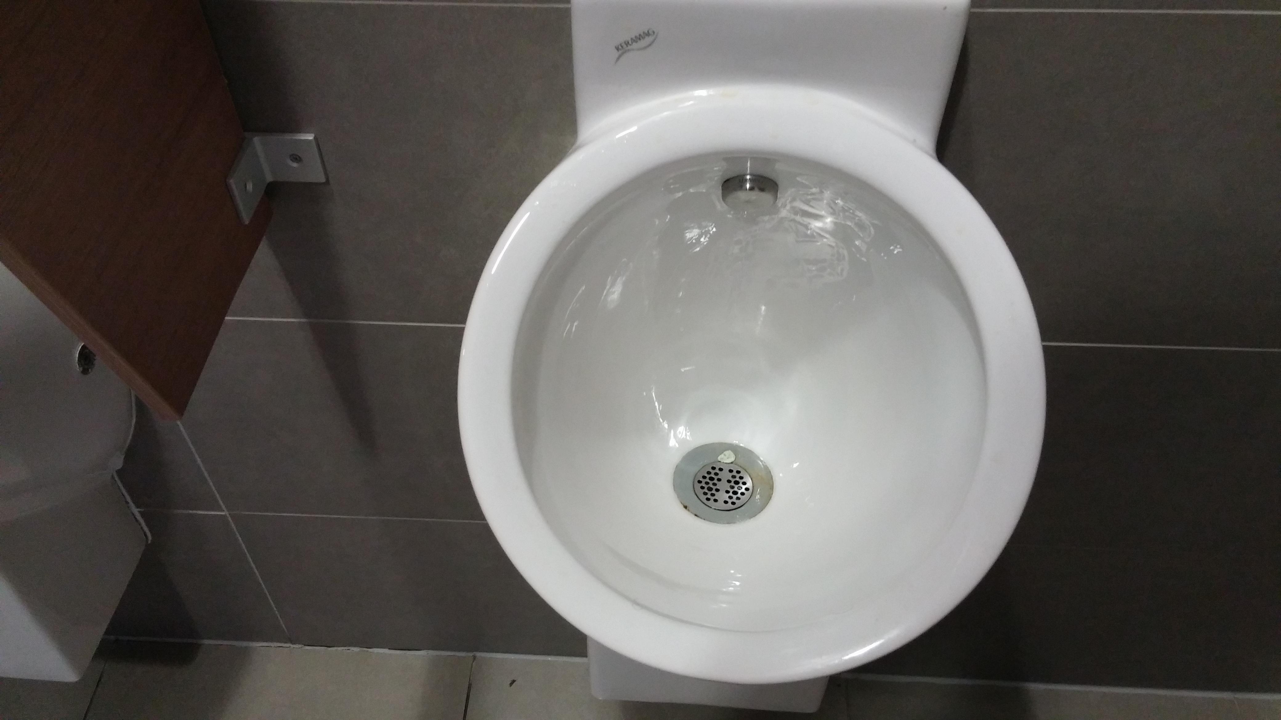 Jesu li toaleti na putu do mora čisti ili prljavi? Provjerili smo na licu mje...