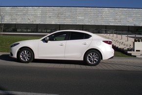 FOTO: Mazda3 sedan G120 Attraction TEST