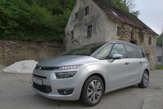 Citroen Grand C4 Picasso 2.0 BlueHDi 150 Exclusive TEST
