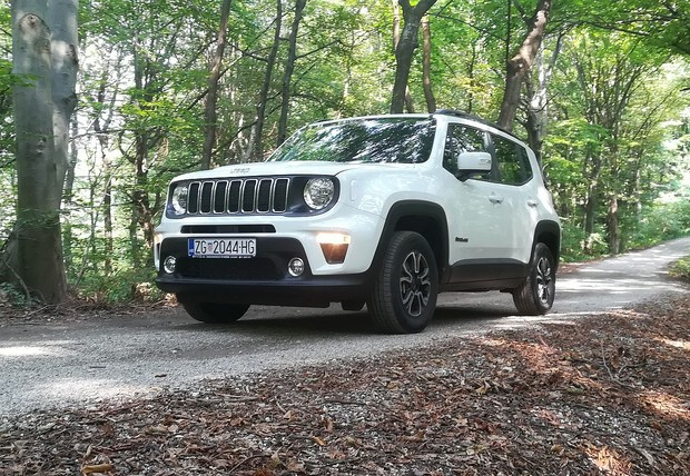 Jeep Renegade 1.3 GSE T4 AT9 4WD TEST