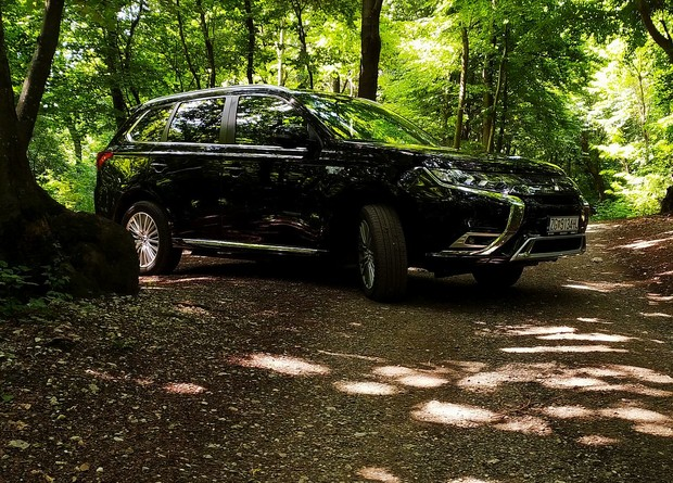 Mitsubishi Outlander PHEV Intense TEST