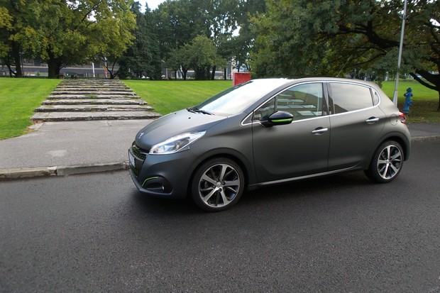 Peugeot 208 1.6 BlueHDi 100 Allure TEST