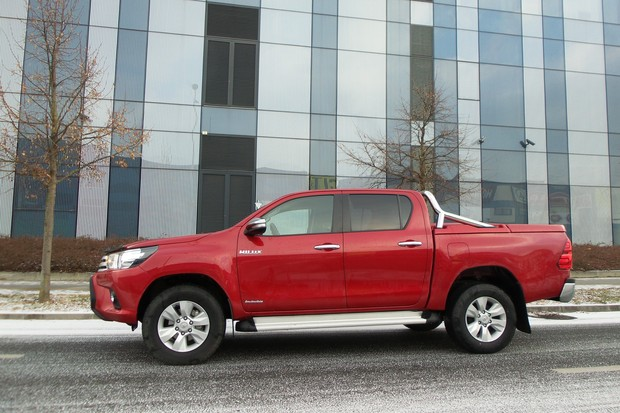 Toyota Hilux 2.4 D-4D 150 City 4x4 TEST